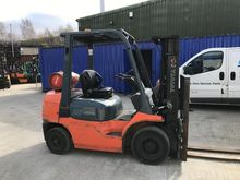 2007 TOYOTA 7FGF25 4.3M CONTAIN