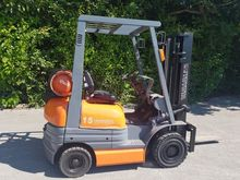 TOYOTA 1500kgs gas forklift