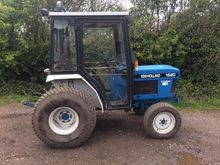 NEW HOLLAND Cabbed on Turf Tyre