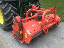KUHN VKR 230 FLAIL TOPPER WITH