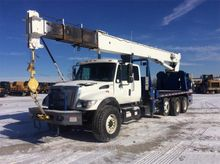 2004 National 900A Mobile Crane