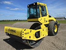 2015 Bomag BW213DI-4 Single dru