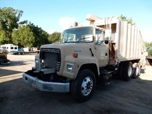 1995 FORD LN8000