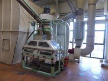 Stone sorting machine