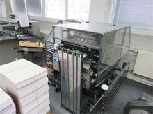 Stapling and folding machine