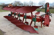 KVERNELAND Lb85-240 5f Plough
