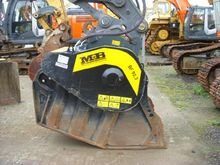 Used 2013 MB Crusher