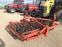 KVERNELAND plough press