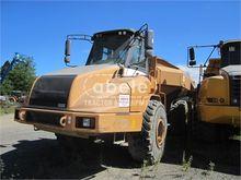 2004 CASE 330