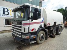 2000 Scania 94G 220 sweeper
