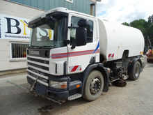 2000 Scania 94G 220 Sweeper for