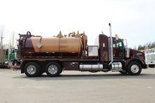2004 Kenworth T800B Truck