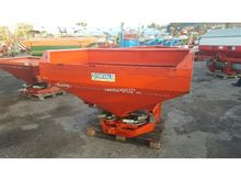 Used 2000 Kuhn MDS 9