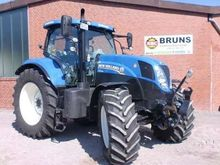 Used Holland T7.200