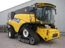 2016 New Holland CR8.80 RAUPE T