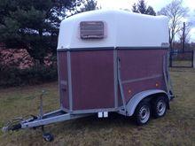 Used Horse trailer B