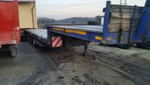 Low loader semi-trailer extends