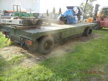 Low loader trailer platform 18