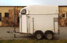 Used Horse trailer D