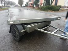 Trailer platform, turntable