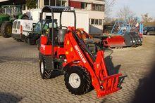 2015 Thaler 2120A Court loader