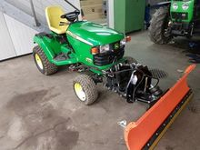 2009 John Deere X 748 With snow