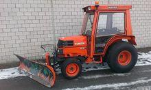 Kubota ST30 Municipal tractor w