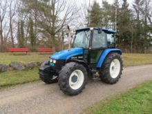 1997 New Holland 5635 DT tracto