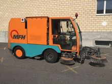 2001 Aebi MFH 2200 Street sweep