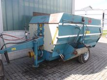 1998 Bonino M 60 Mixer feeders