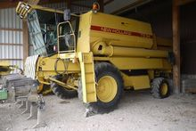 1988 New Holland TX34 Harvester