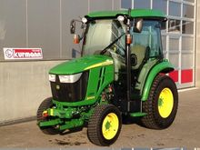 2015 John Deere 3045R tractor