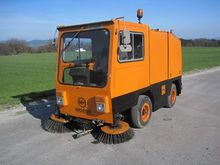 MFH 2100 Road cleaning machine