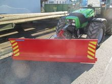 Snow plows on tractor, 2-axle m