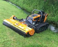 Mulchy CAT 40 mowing robots