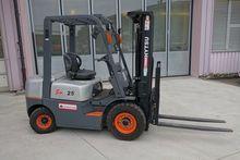 2014 Forklift Hytsu 2.5 tons