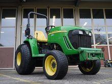 2005 John Deere 3720