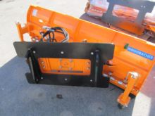 2016 Universal Snow plow at cou