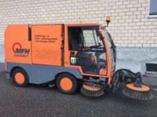 1999 Aebi MFH 2200 Street sweep