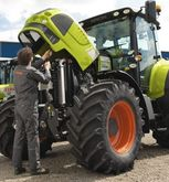 Claas Agricultural machinery me