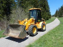 2001 JCB 409B Chargeuse à pneu