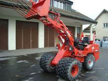 Weidemann 1370 court loader