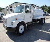 2004 Freightliner FL60