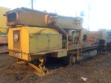 2004 Kato 30 THC