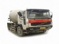 2002 Volvo - Concrete Mixer Tru