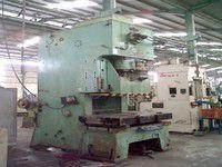 Komatsu - 200T Press