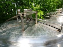 Vertical mixing tank made of st
