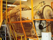 Hydraulic press for fruit juice