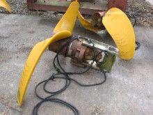 Propeller agitator with two bla