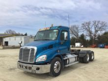 Used T A Day Cab Truck Tractor for sale  Freightliner